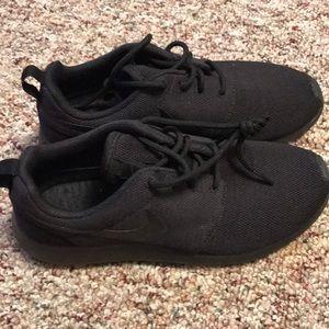 All Black Nike Roshe Run One